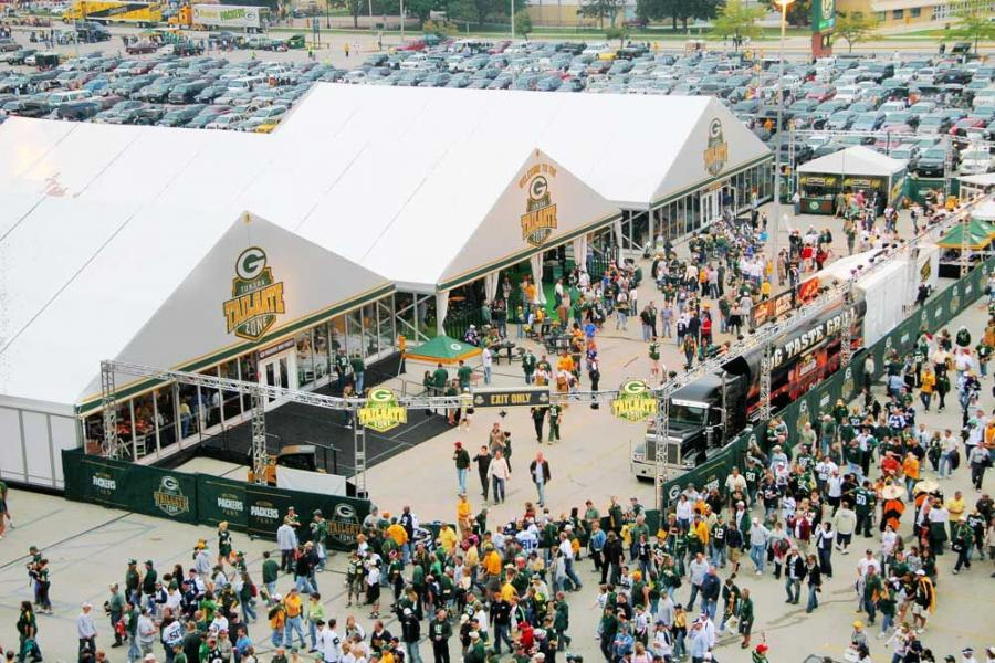 All power for the Tundra Tailgate Zone is provided by a pair of Caterpillar generators supplied by FABCO.