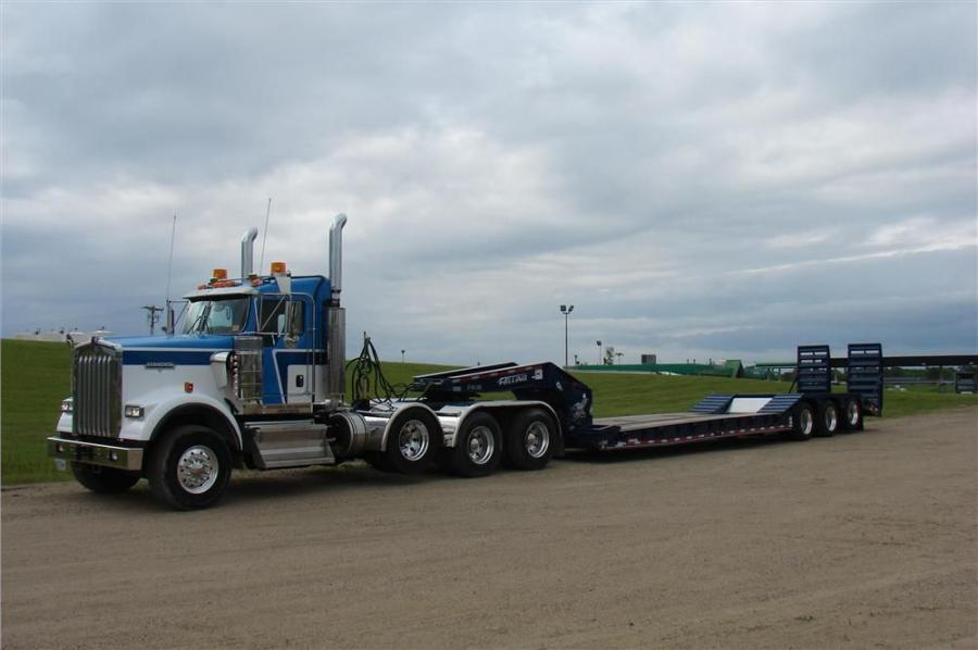 Felling Trailers used its custom-color options to paint the XF-100-3 HDG trailer a unique blue color, which Neutgens Excavating requested to match its fleet.