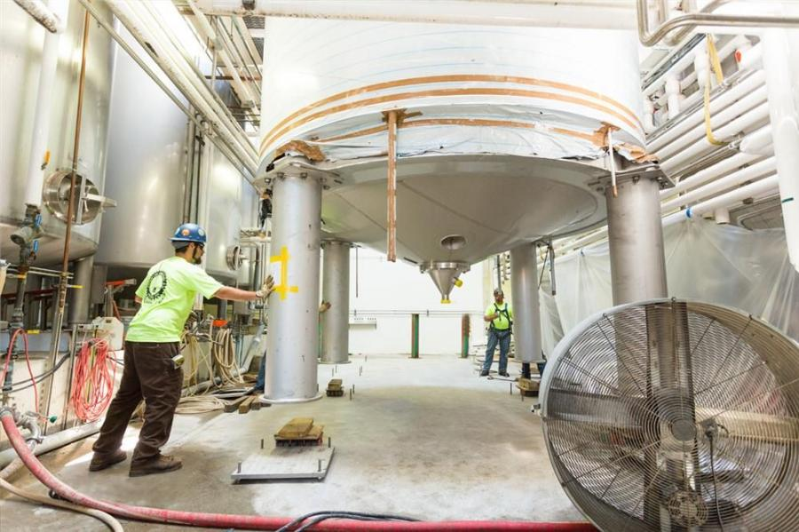 Superior Erection was called on first to assist with rigging and setting the new tanks. First, two new 600 bbl Brite storage tanks, which hold finished beer that is ready for packaging, were to be installed. Each was twice the size of the brewery's