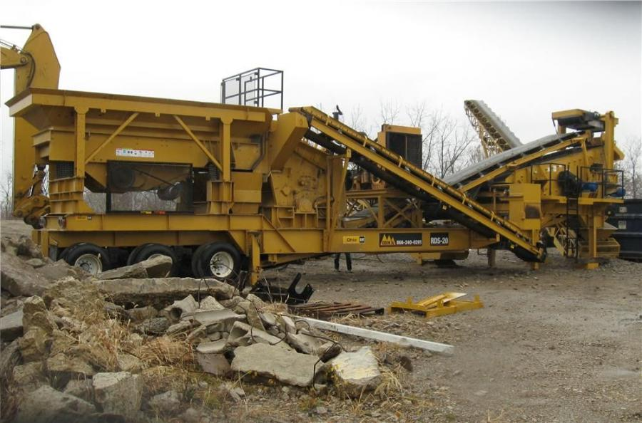 The IROCK RDS-20 is set up to produce No. 2's and 304 recycled concrete.