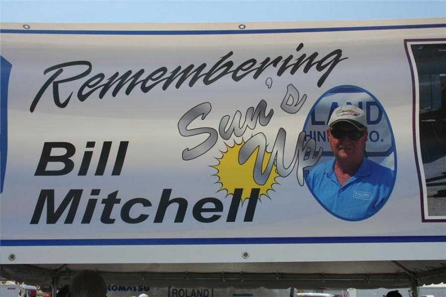This race was dedicated to the memory of Bill Mitchell who served more than 30 years in the construction industry in St Louis, Mo.