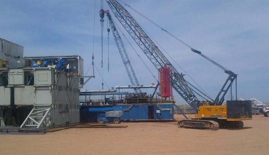 The company's 110-ton (100 t) SCC8100 has logged more than 400 hours relocating oil rigs and proving its reliability in remote parts of North Dakota.
