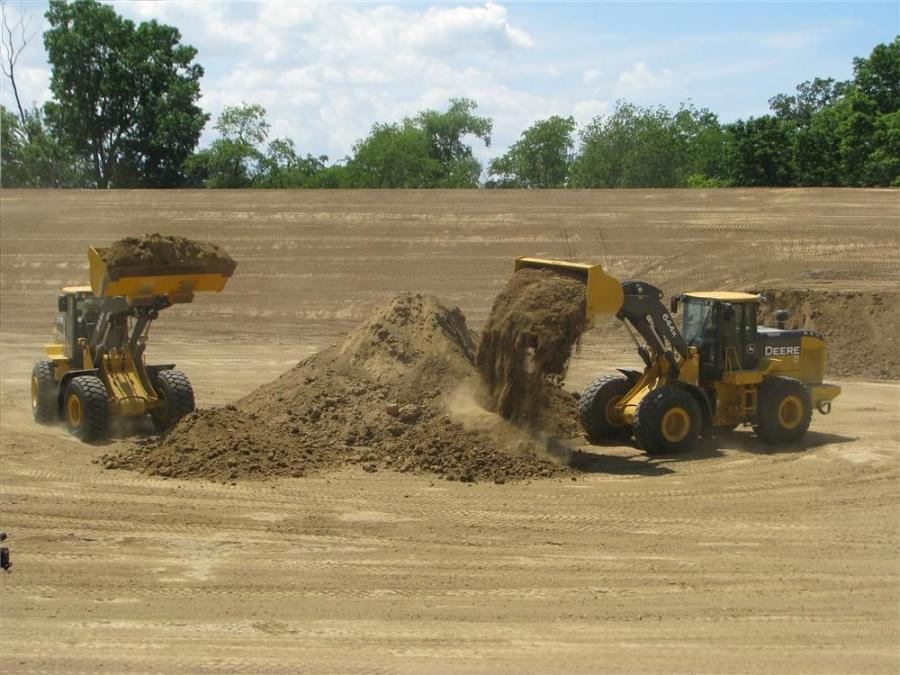 The more efficient work cycle of the hybrid compared to a conventional 644K was demonstrated at the June media event when the machines squared off on a pile of dirt. The hybrid loader consistently moved ahead of the conventional loader through the scoop,