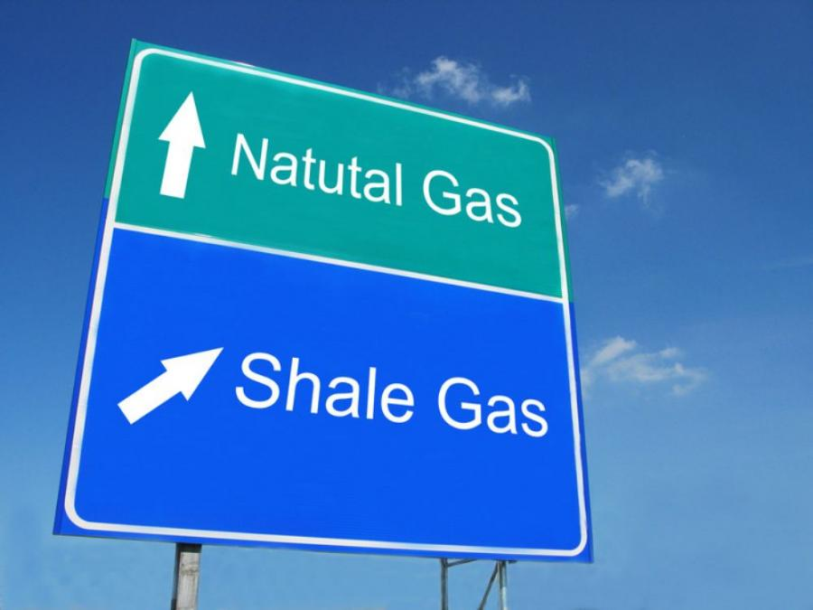 The shale gas and oil boom's economic impact is being felt well beyond the energy sector, two Associated Equipment Distributors' (AED) board members told the House Energy & Mineral Resources Subcommittee March 14.