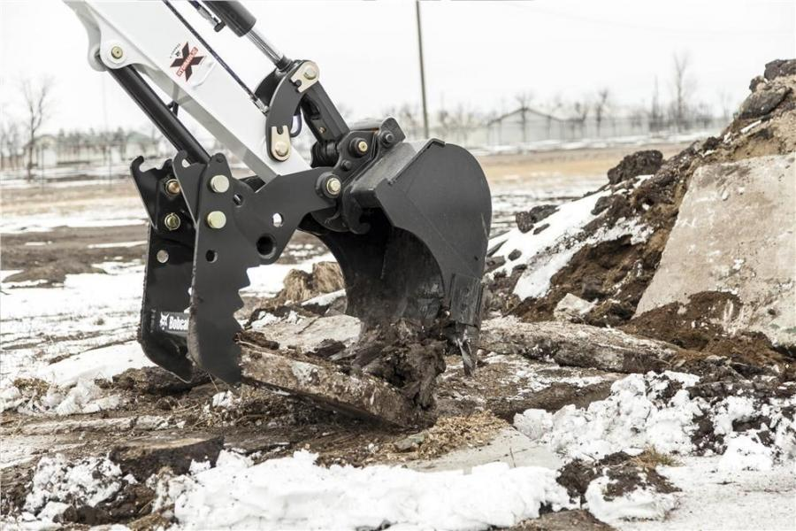 The Pro Clamp system consists of a base that attaches to an M-Series excavator bucket and is equipped with pin-on adjustable standard tool or reversible grading tool.