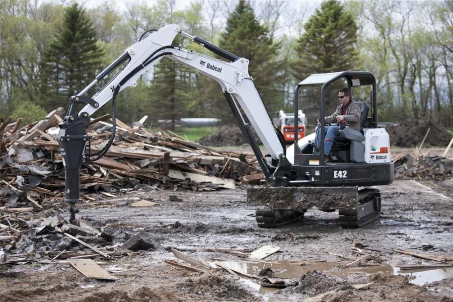 This Bobcat E42 is fitted with a hydraulic breaker.