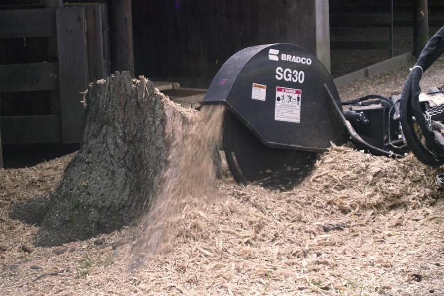 The Bradco stump grinder provides a 60-degree swing arc geometry and can cover 45 in. (114 cm) in a single sweep.