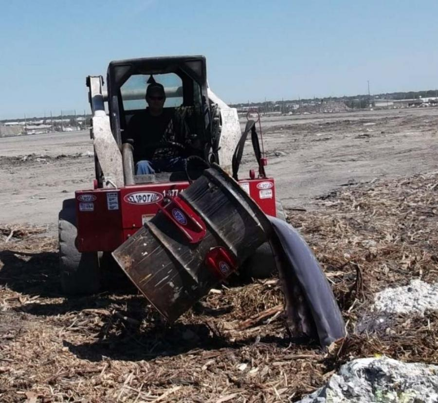 The rotating barrel handler comes standard with the capability of handling 55 gal. barrels of any material.
