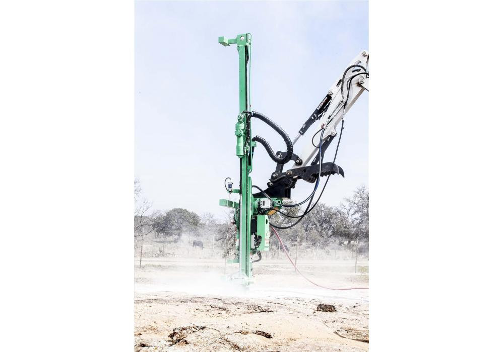 The 3,197-lb. (1,450 kg) CPA 225E drills holes measuring 1-1/2 to 3 in. (3.8 to 7.6 cm) in diameter and up to 14 ft. (4.3 m) deep.