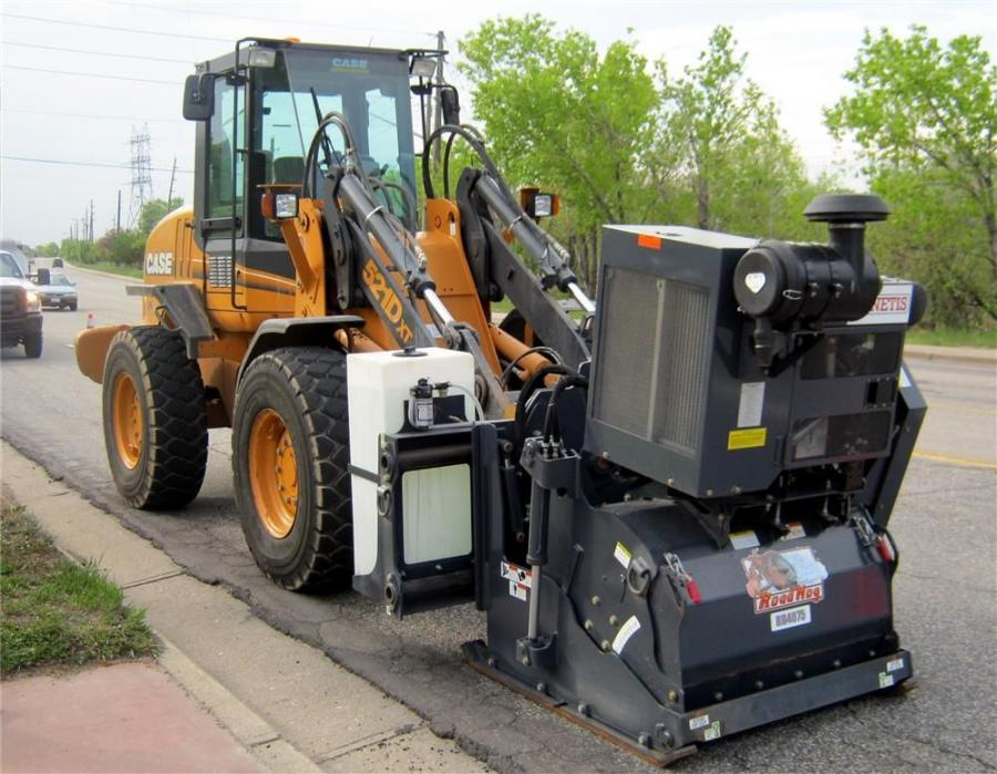 The RoadHogs are powered by Caterpillar or John Deere turbocharged Tier III compliant diesel engines. Cutting drum widths are available from 24 to 72 in. (61 to 183 cm).