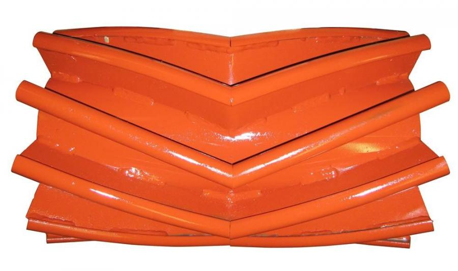 The V-shaped Chevron Wing Pulley deflects fugitive material and extends conveyor belt life.