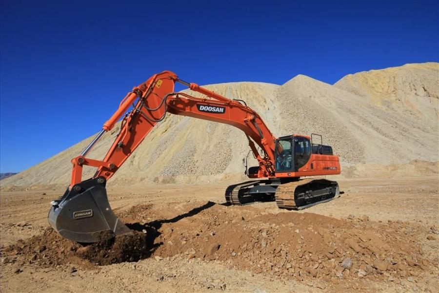 With an operating weight of 92,374 lbs. (41,900 kg), a maximum digging depth of 25 ft. 5 in. (7.7 m), dump height of 25 ft. 4 in. (7.7 m) and maximum digging reach of 37 ft. (11 m), the DX420LC-3 has all the features and capabilities to handle road buildi