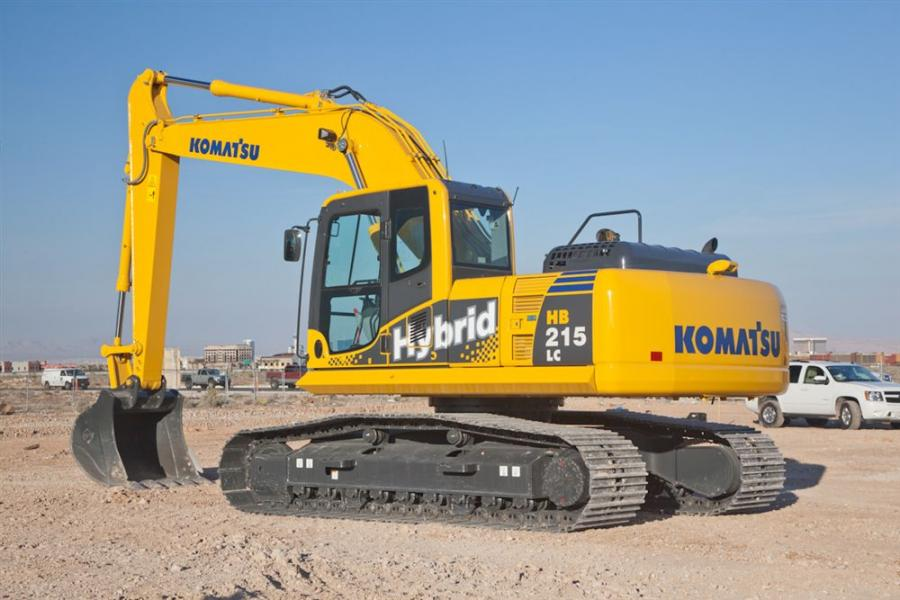 The HB215LC-1 has an operating weight of 47,530 lbs. (21,559 kg) and a bucket capacity of 1.57 cu. yd. (1.2 cu m).
