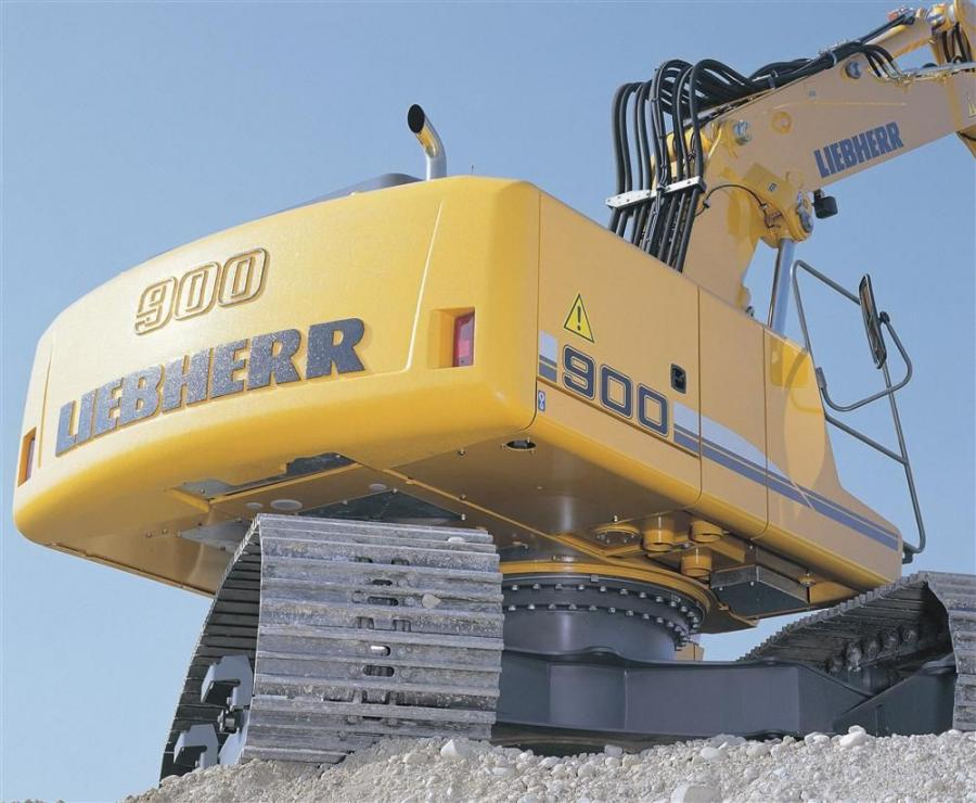 The Liebherr R900 C excavator is powered by a Liebherr D 934 S diesel engine according to level IIIA / Tier III rated at 129 hp (96 kW) 4 cylinder in-line.