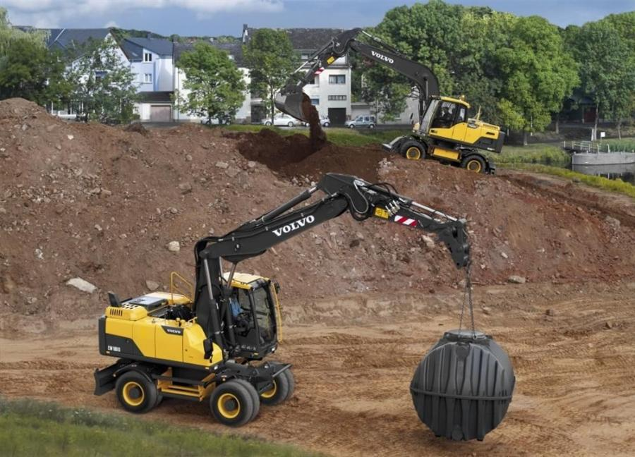 The new models available in North America consist of the EW180D and EW210D, with weights of 19.9 and 25.1 tons (18.1 and 22.8 t), respectively.