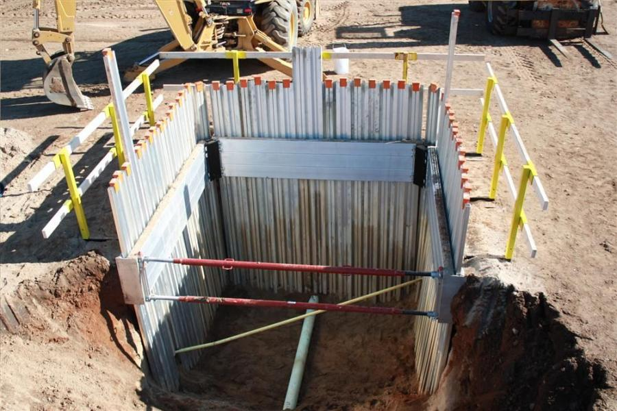 Used in conjunction with the GME interlocking aluminum sheet pile, the system can be used at depths of 10 to 12 ft. (3 to 3.6 m) in a 2-, 3- or 4-sided configuration, while providing up to 84 in. (213 cm) of vertical pipe clearance (contingent upon soil c