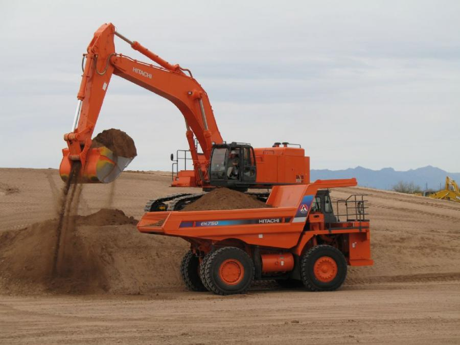 Weighing 185,186 lbs. (84,152 kg), the Zaxis 850LC-3 comes standard with a 27-ft. 7-in. (8.4 m) boom, a 14-ft. 5-in. (4.4 m) arm, a 29,321-lb. (13,300 kg) counterweight, and 36-in. (90 cm) double grouser shoes.