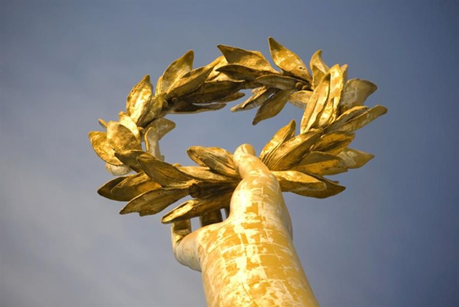LiuGong Machinery Corp., was granted China's Best Brand Award for Acquisition Efficiency on June 13 at the 2012 Global Brand Summit.