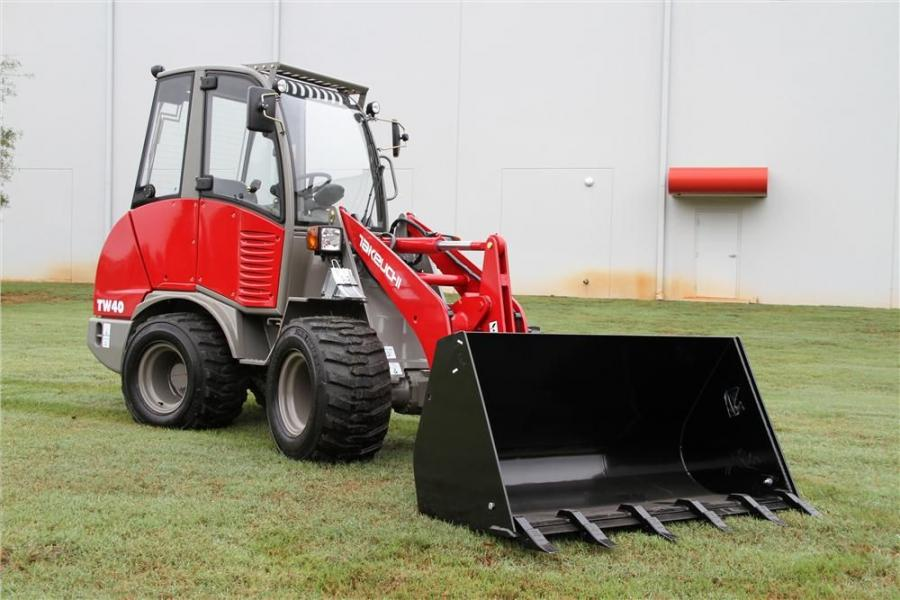 With an operating weight of 7,275 lbs. (3,300 kg), a wheelbase of only 5 ft. 7.5 in. (1.7 m), and a universal hydraulic SSL quick-attach, Takeuchi's TW40 features a compact, turf-friendly footprint that allows for greater maneuverability in tight sp