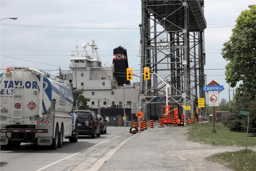 Coordinating single-lane road traffic with the ups and downs of the Allanburg lift bridge required North America Traffic to fast-track new custom controls for its portable traffic signals.
