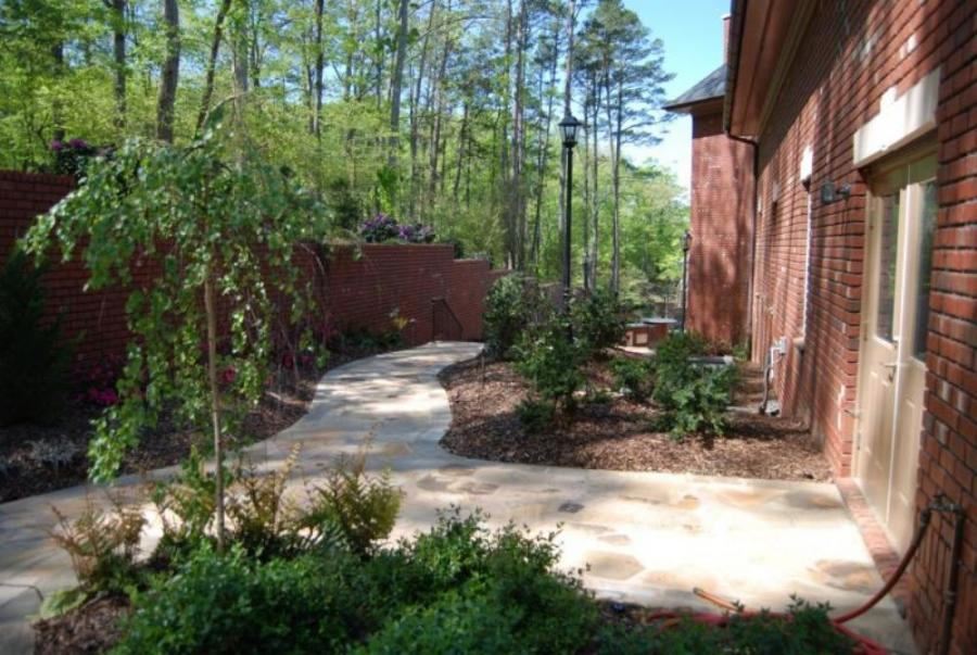 Toms Creek Nursery and Landscaping, was tasked by its client to create a large outdoor entertainment space alongside a home undergoing a complete remodel.