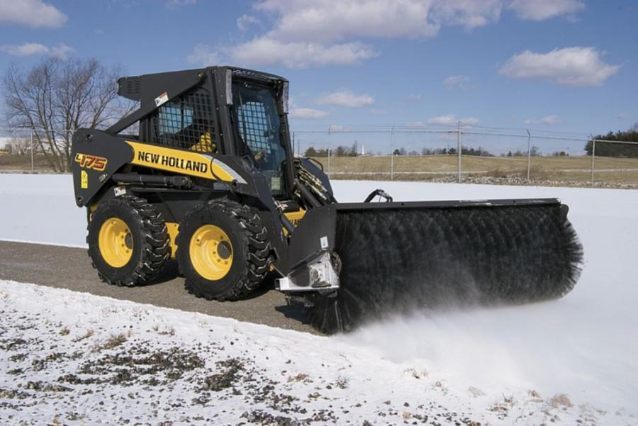 New Holland L175 Skid Steer Features Full 10-Ft  Lift Height