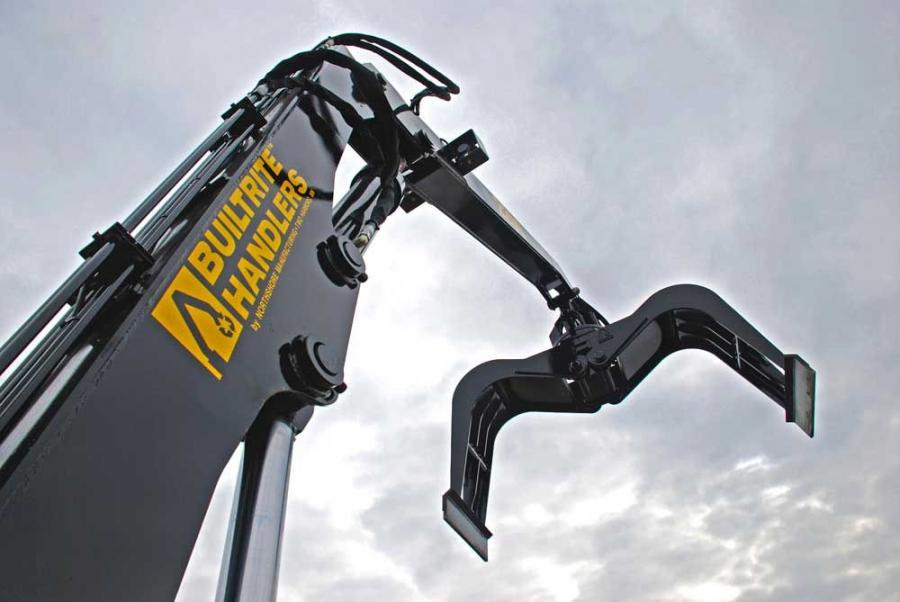 The bale clamp grapple is made to fit material handlers in the 18 to 25 ton (16 to 22.7 t) range.