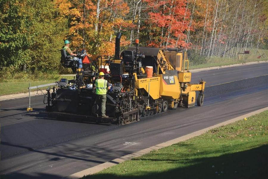 The AP1000F is a wheeled paver. The AP1055F features the Cat Mobil-Trac undercarriage system. The pavers can be equipped with three new screed platforms that feature rear-mounted extensions: SE50 V, SE50 VT and the SE60 V.