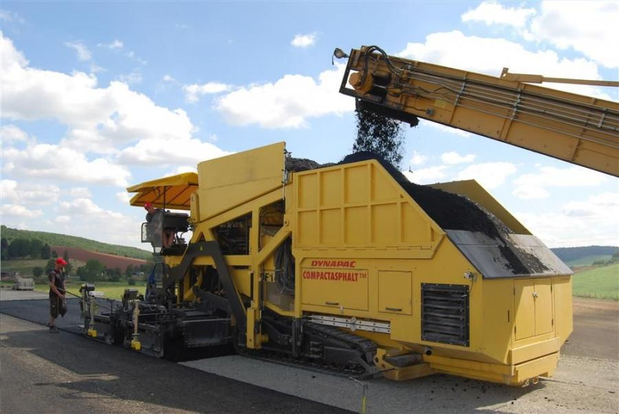 Dynapac Compactasphalt road paving technology combines both the binder and wearing courses simultaneously, in one single paving operation.