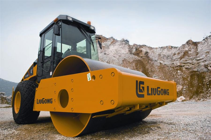 LiuGong's 612HIII single-drum vibratory roller has a working width of 84 in. (213 cm)