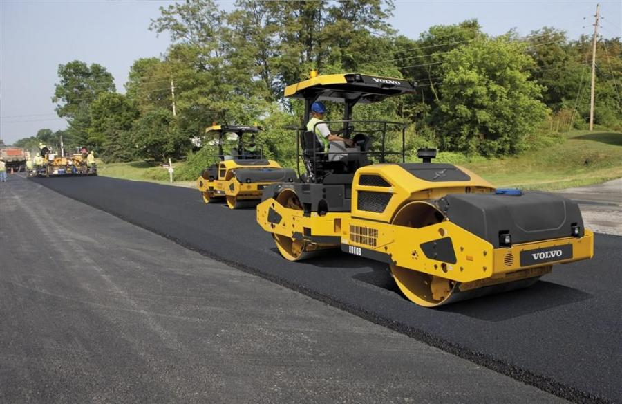 Volvo heavyweight double-drum asphalt compactors, the DD110B, DD120B and DD140B, can manage the industry's biggest tasks — from major highway work to airport runways.