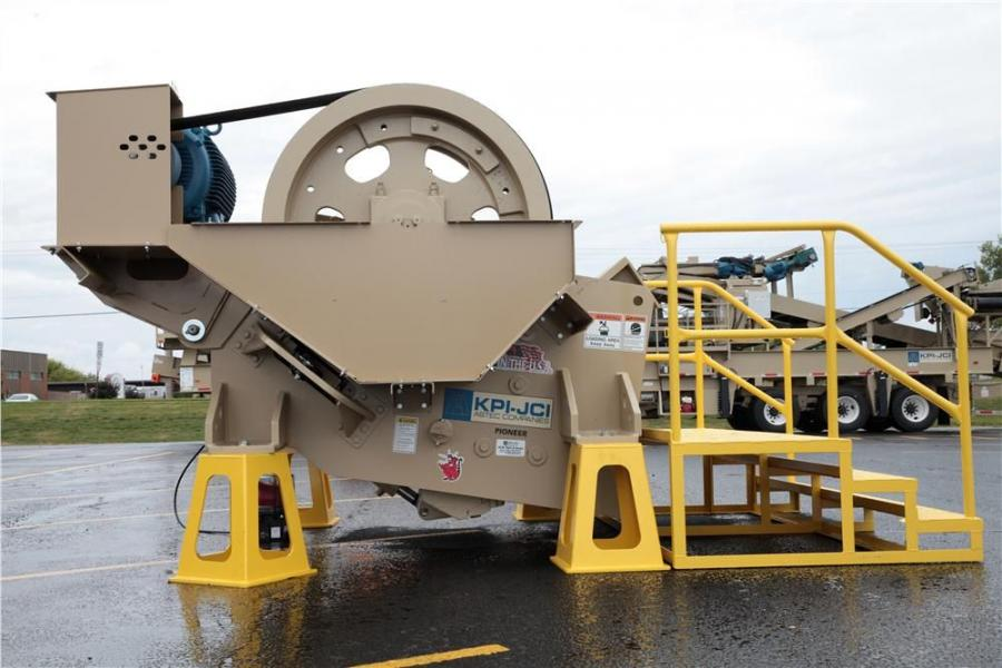 The 2056 Vanguard Jaw Crusher features a 20 by 56 in. (50.8 by 142 cm) jaw crusher that is ideal for sand and gravel applications.