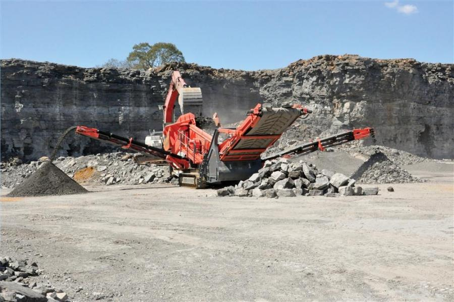 The QE440 has been developed to cater to the serious aggregate producer and boasts 40 percent more screening area than its predecessor.
