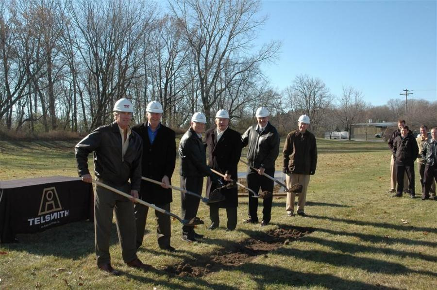 (L-R) are Keith Farley, Oliver Construction; Rick Patek, group vice president, Astec Industries Inc.; Norm Smith, president and CEO, Astec Industries Inc.; Curt Gielow, mayor of Mequon; Matt Haven, executive vice president and general manager, Telsmith In