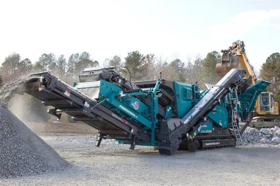 The Trakpactor 320SR crusher has a quick-detach post-screen section, which converts it to a standard Trakpactor 320 unit.