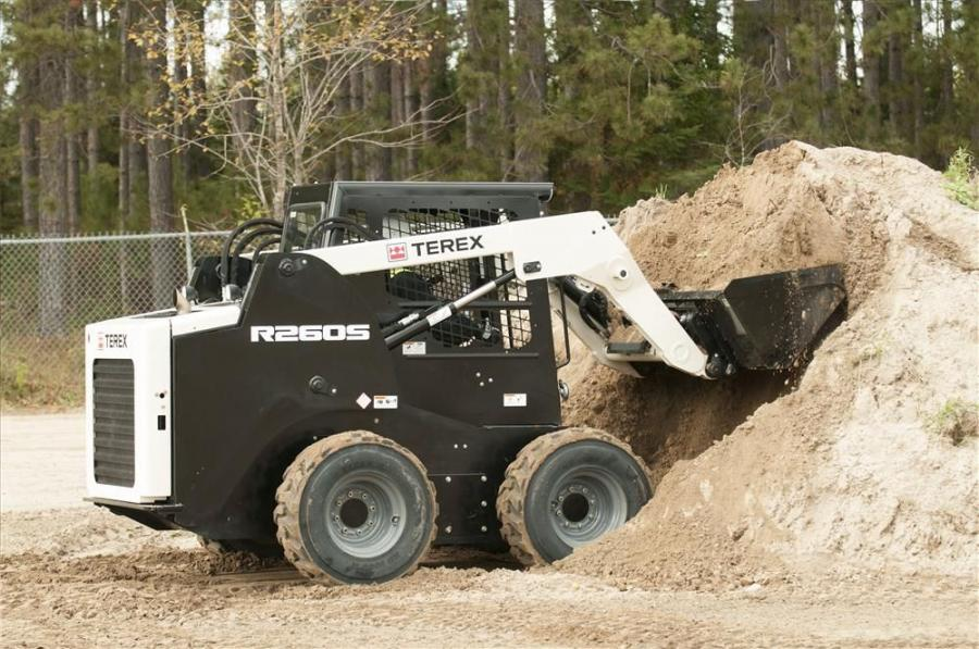 The Terex R260S model boasts a 5,200-lb. tipping load, a 6,420-lb. bucket breakout force, 125 in. (317.5 cm) of lift height and 25 in. (63.5 cm) of reach, enabling it to get loading, picking and carrying, grading, back dragging or snow removal jobs done f