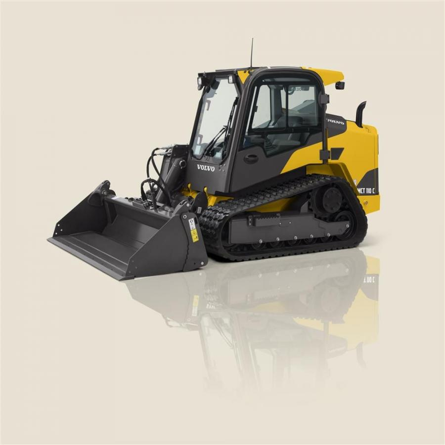 The MCT110C compact track loader completes the range of compact track loaders, filling the gap between the Volvo MCT85C and MCT125C.