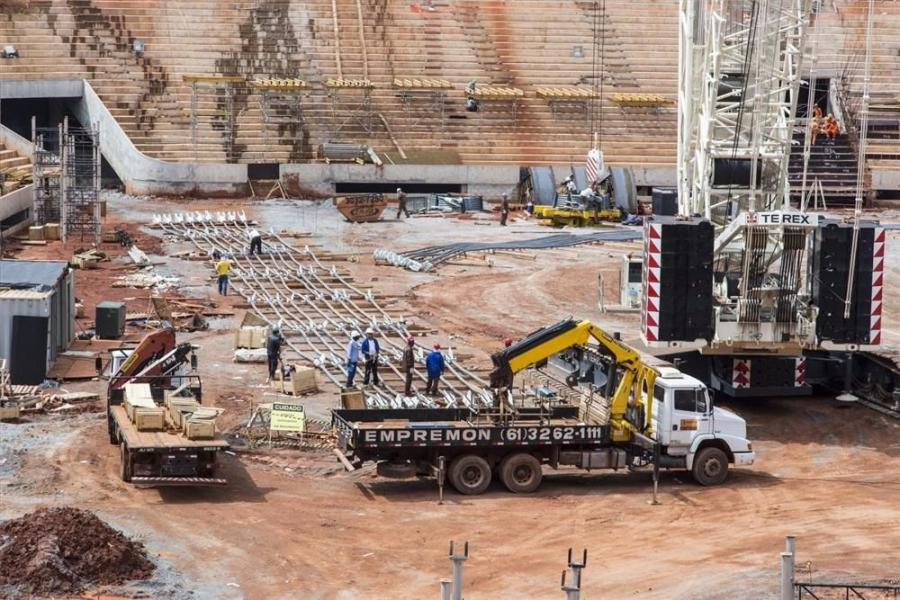 Lifting specialist Transdata is making a major contribution to the renovation of the National Mane Garrincha Football Stadium in Brasilia, federal capital of Brasil, which will play host to a series of FIFA World Cup matches in 2014.