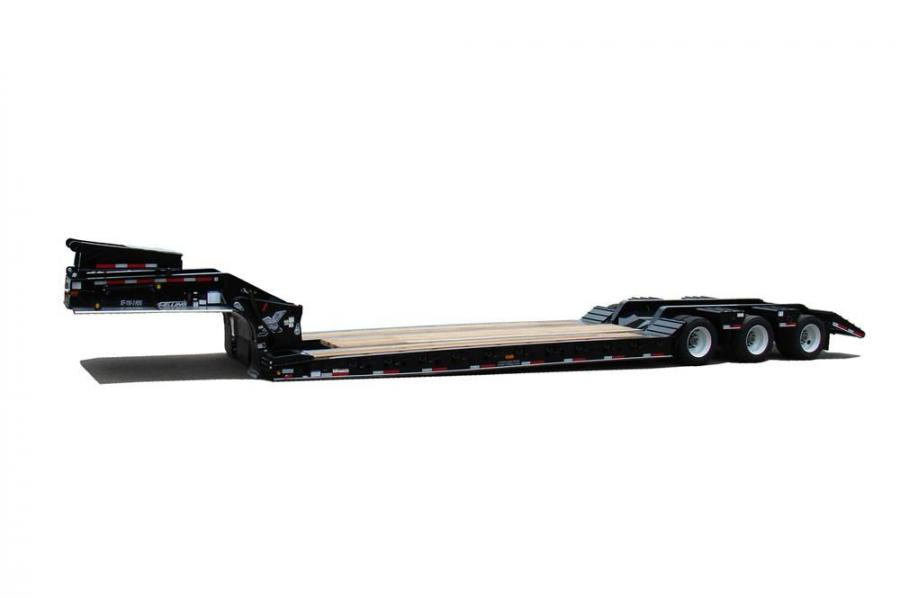 The hydraulic detachable gooseneck with oilfield beavertail trailer gives users the ability to both front and rear load the trailer. The detachable gooseneck feature allows users to load from the front by detaching the gooseneck. By dropping the suspensio