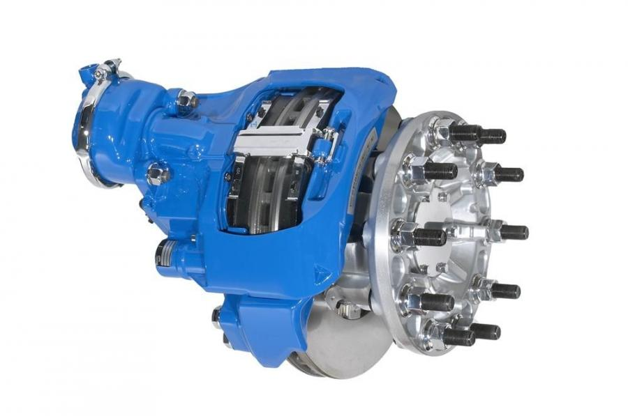 The Bendix ADB22X air disc brakes have a two-pin floating caliper design that provides a more stringent overall dimension accuracy and consistent force distribution.