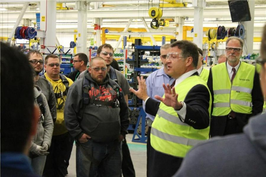 Congressman Bill Shuster (R-Pa.) braved sub-zero temperatures on Jan. 6 to visit the North American headquarters of Volvo Construction Equipment in Shippensburg, Pa.