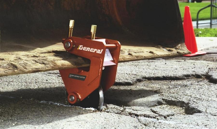 The 130C clamps to most backhoes, tractor/wheel loaders, road graders, dozers and other construction vehicles.
