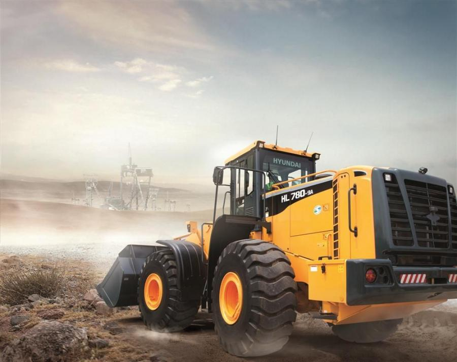The HL780-9A loader has an operating weight of 66,800 lbs. (30,300 kg), a bucket capacity of 7.1 cu. yds. (5.4 cu. m) and a bucket breakout force of 52,360 lbs. (23,750 kg).