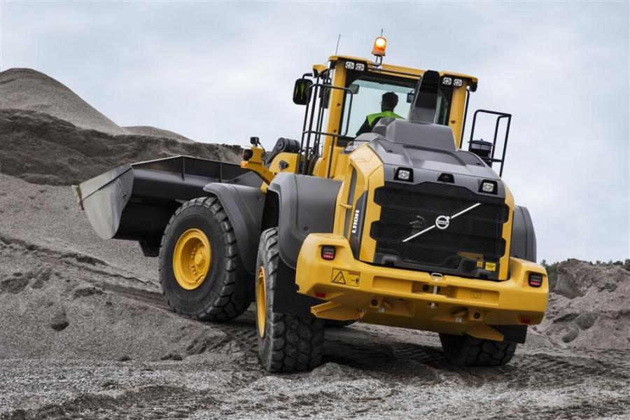 The L110H and L120H wheel loaders can be used for a wide range of applications — from material handling and rehandling and road construction to utility work.