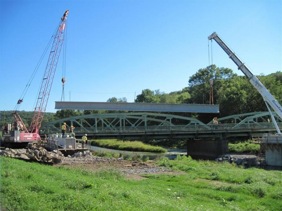 New Enterprise rented a Manitowoc 200-ton (181 t) crane for beam erection, including this segment showing Span 3.