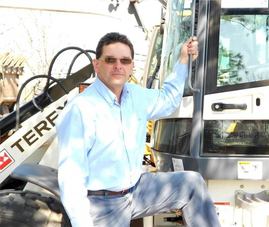 Ken Thomas is re-joining the Woods CRW sales team as product/sales manager of the Terex compact equipment lines in New York.