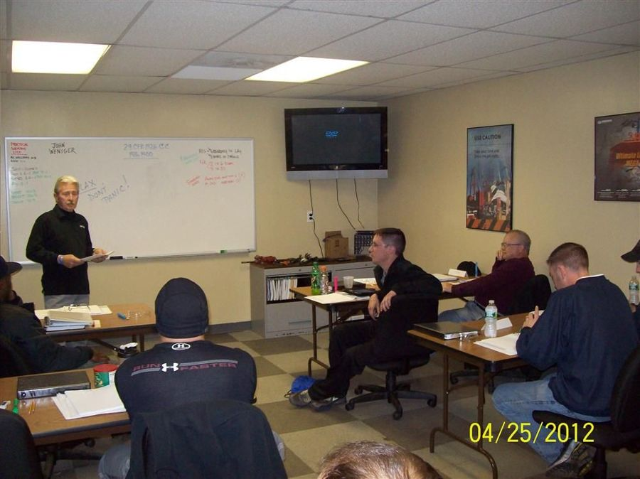 Johnny Weniger leads the session on the National Commission for the Certification of Crane Operators (NCCCO) written exam.