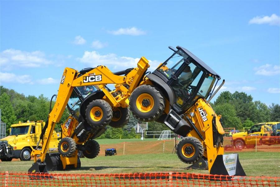"""The Diggers wowed the crowds with hourly shows as they """"danced"""" to classic tunes."""