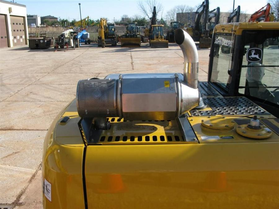 A John Deere 160D excavator was retrofitted with a Cleaire Phoenix active DPF filter.