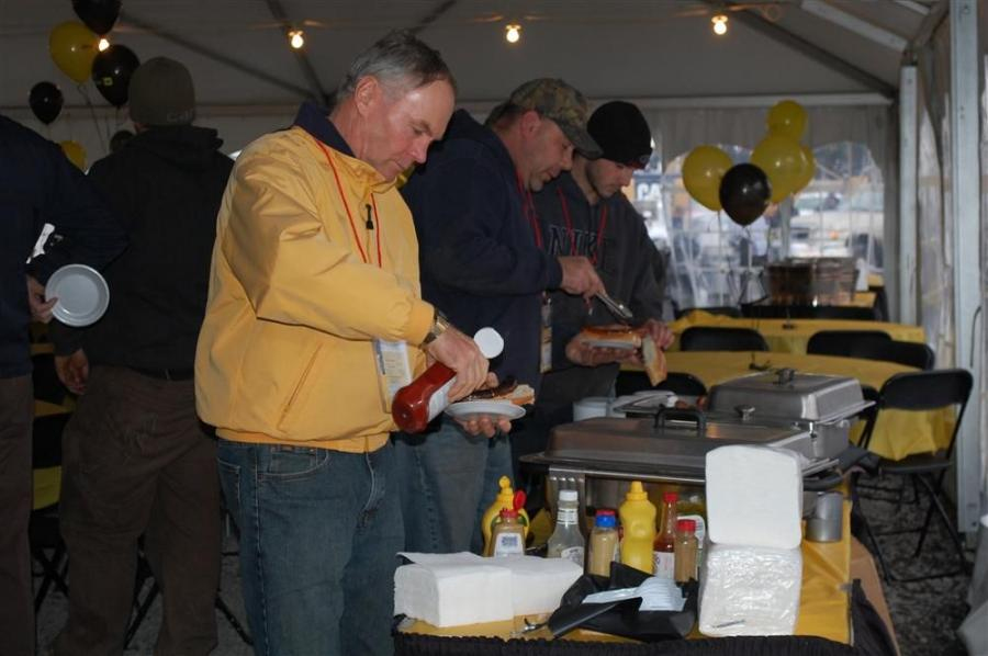 Hamburgers, hot dogs, cookies and beverages were all on the menu.